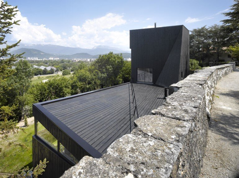 Artist Residency - a Silent Piece of Art with Monolithic Architecture (5)
