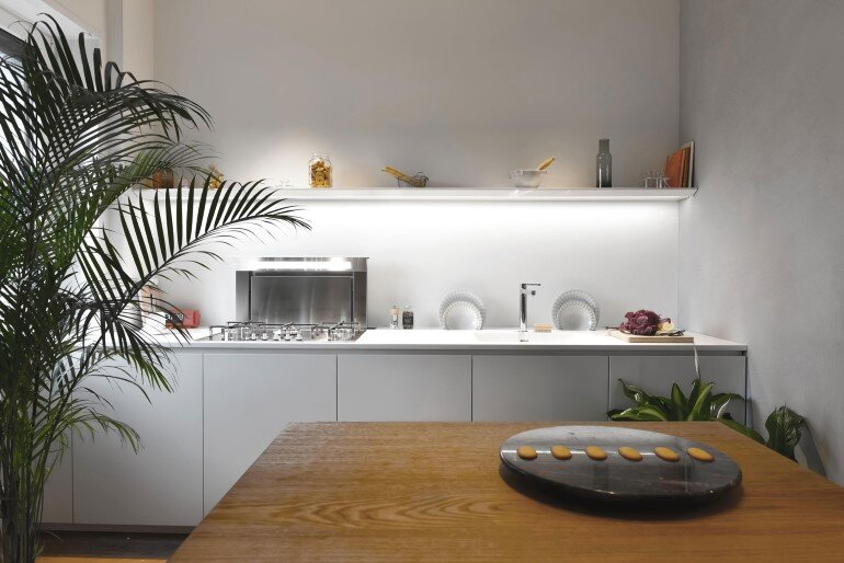 Brazilian Taste - Office Turned into a Fresh and Elegant Living Space (3)