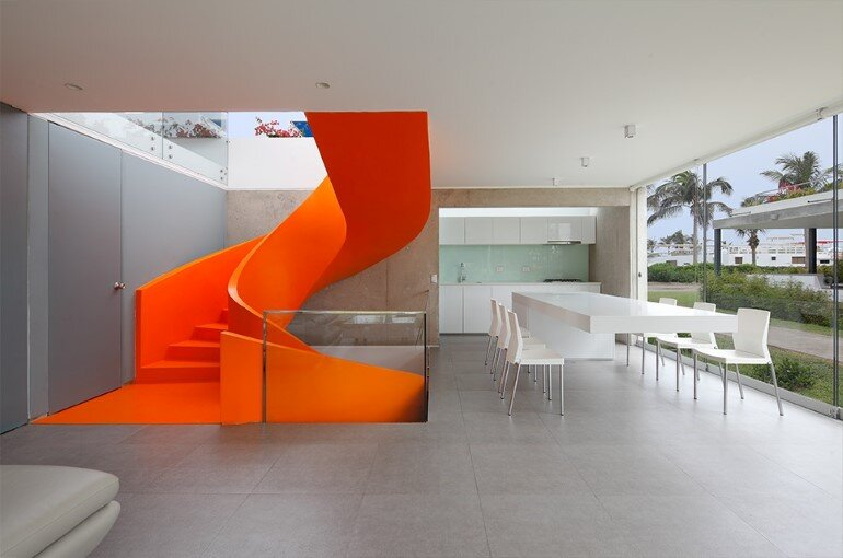 Casa Blanca Has a Striking Orange Staircase That Connects All Indoor Areas (21)