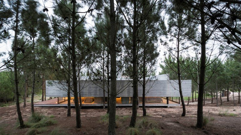 Concrete Holiday Retreat in Argentina by Luciano Kruk (1)