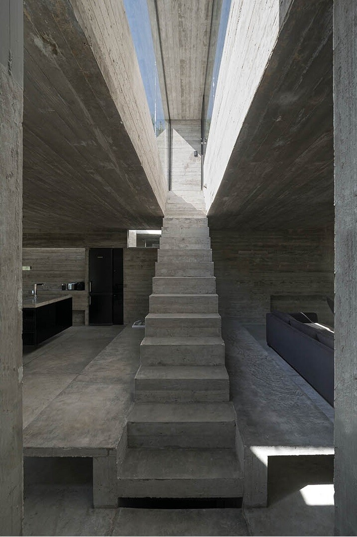 Concrete Holiday Retreat in Argentina by Luciano Kruk (14)