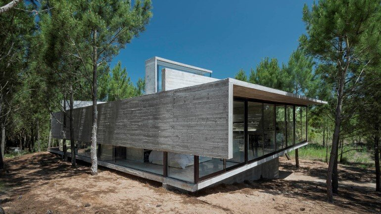 Concrete Holiday Retreat in Argentina by Luciano Kruk (21)