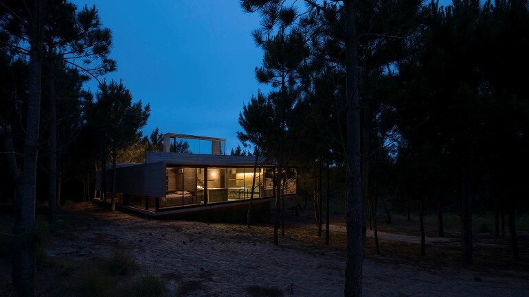 Concrete Holiday Retreat in Argentina by Luciano Kruk (3)
