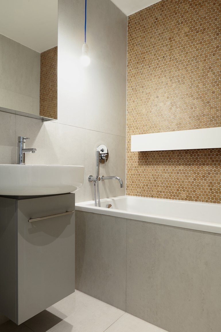 Cork Apartment Designed for a Young Man by FormaFatal (3)
