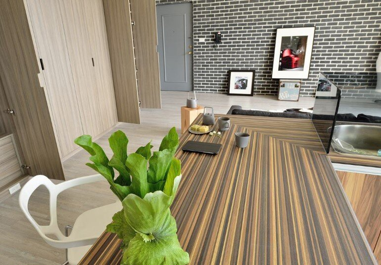 Feast in Green - Functionality And Warmth In a One-Storey Home (7)