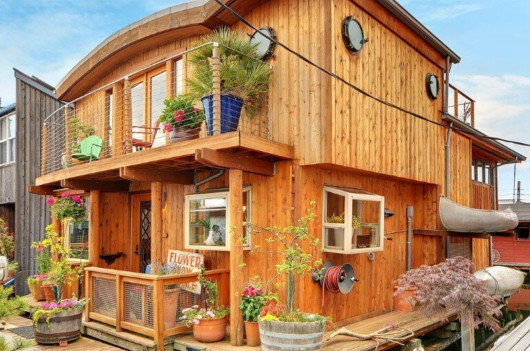 Floating Home - Seattle Houseboat with Views of Downtown (14)