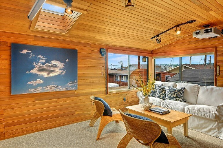 Floating Home - Seattle Houseboat with Views of Downtown (5)