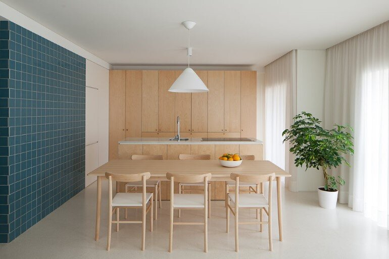 Forte Apartment was Turned to the Light by Merooficina (1)