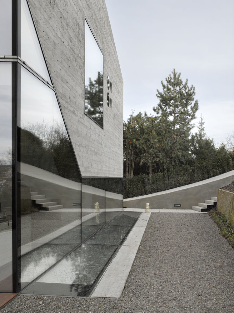 House 36 is Shaped like a Mountain Crystal Stuttgart (13)