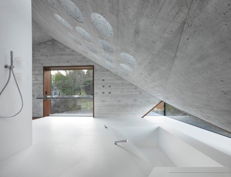 House 36 is Shaped like a Mountain Crystal / Stuttgart 3