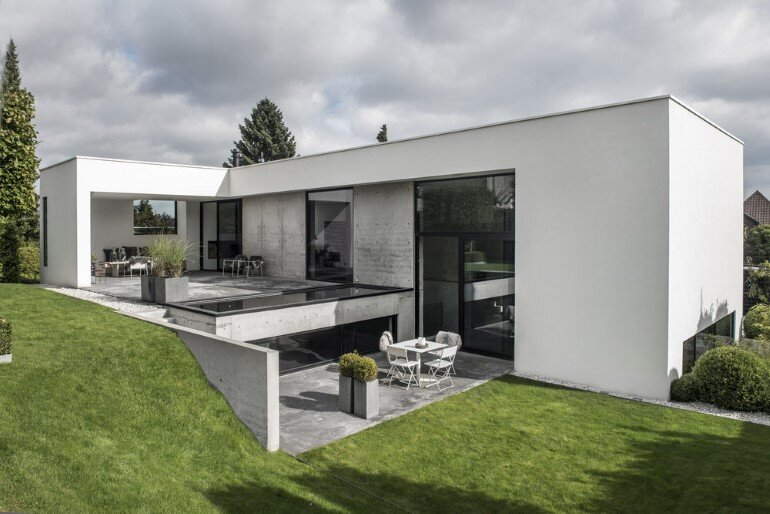 L-shaped Nordic House Featuring Four Split-Levels and Integrated Garage (1)