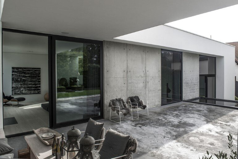 L-shaped Nordic House Featuring Four Split-Levels and Integrated Garage (2)