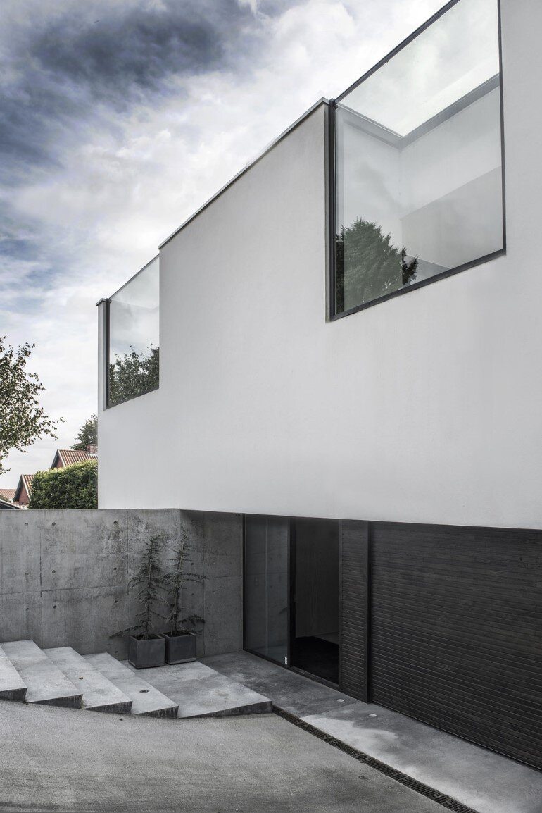 L-shaped Nordic House Featuring Four Split-Levels and Integrated Garage (3)