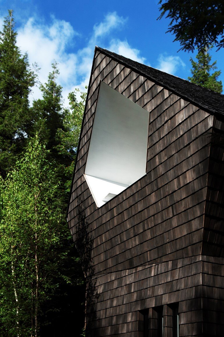 La Colombière Is A Refuge Perched In The Forest Reminding Us Of Bird Huts (12)