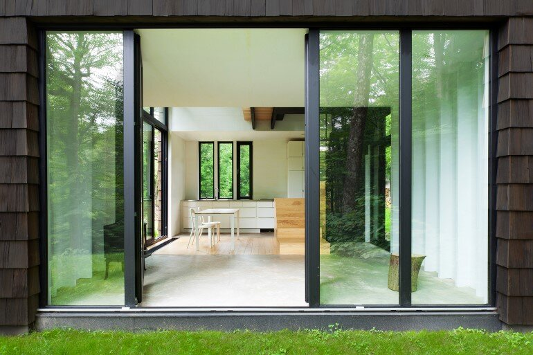 La Colombière Is A Refuge Perched In The Forest Reminding Us Of Bird Huts (4)