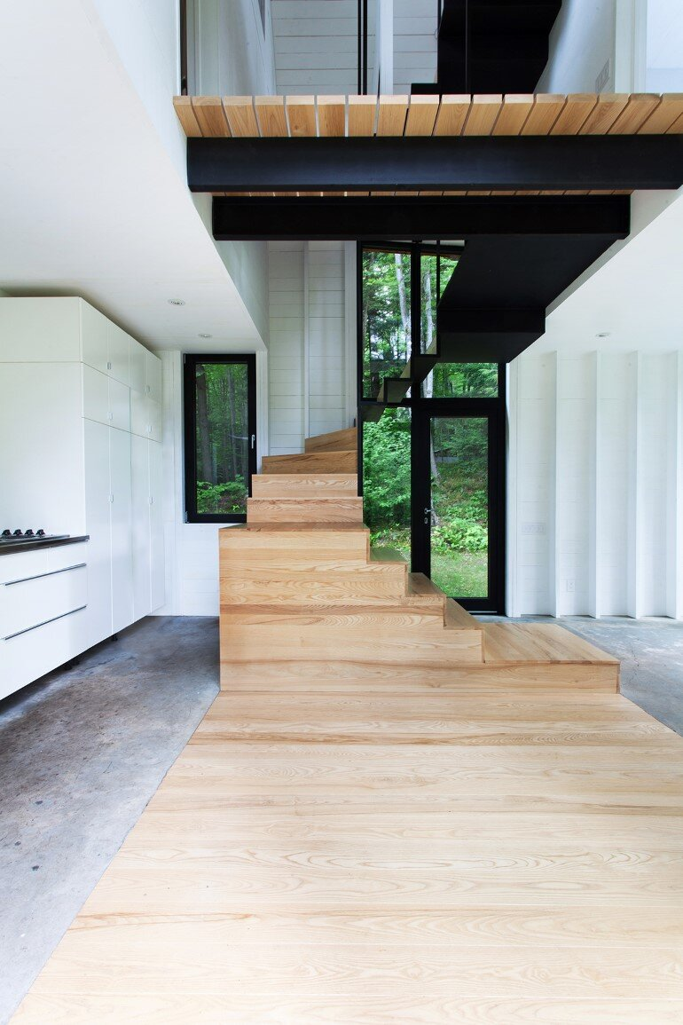 La Colombière Is A Refuge Perched In The Forest Reminding Us Of Bird Huts (5)