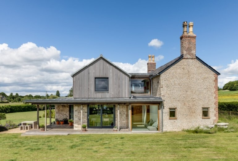 Laurel House - Contemporary Extension for a Delightful Traditional Cottage (14)