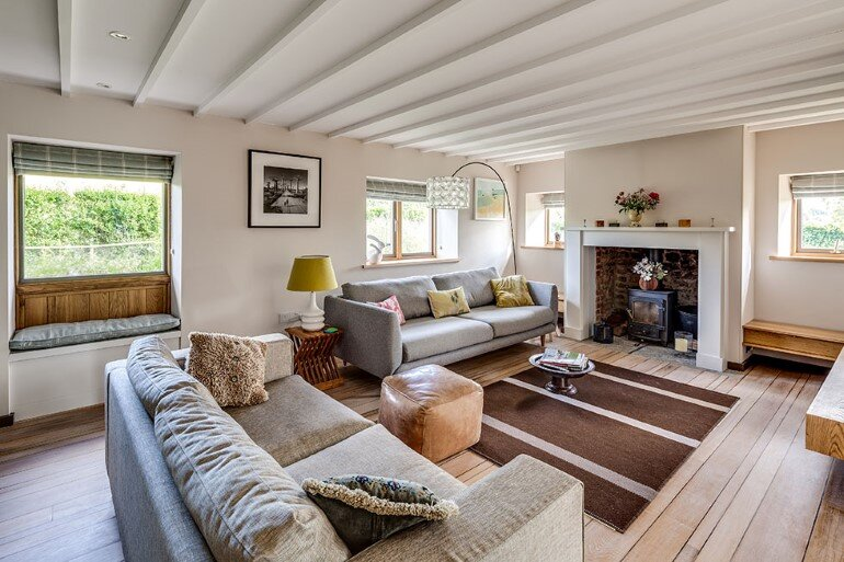 Laurel House - Contemporary Extension for a Delightful Traditional Cottage (18)