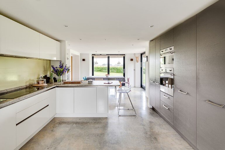 Laurel House - Contemporary Extension for a Delightful Traditional Cottage (19)