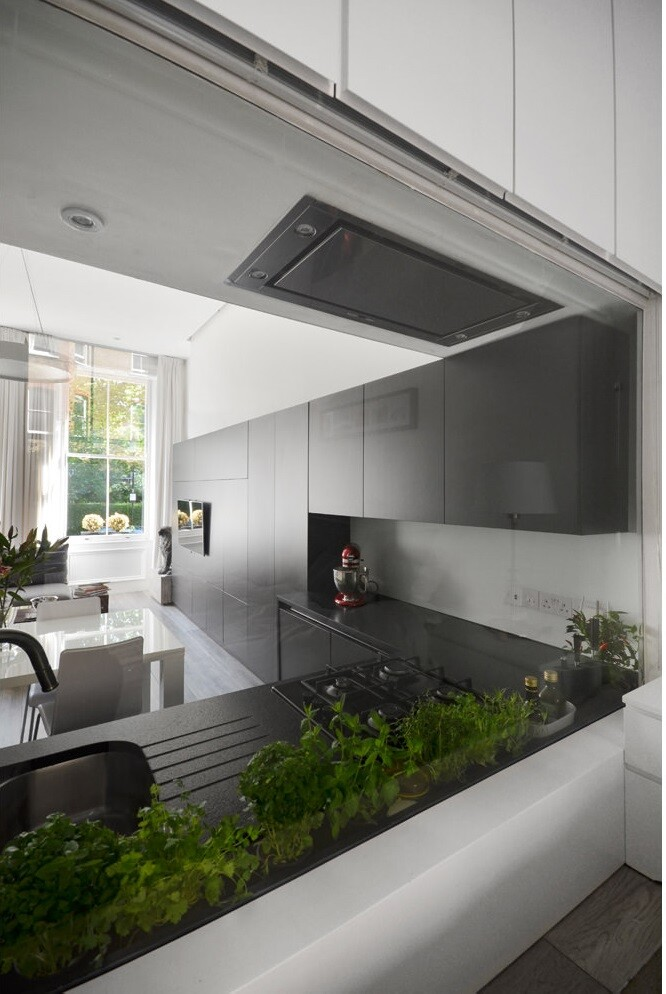 Nevern Square Apartment Has a Highly Optimized and Bespoke Design (15)