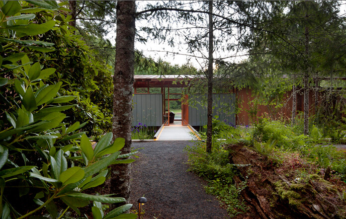 Newberg Residence by Cutler Anderson Architects (9)