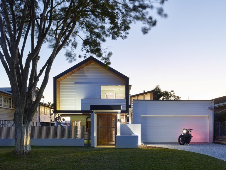 Nundah House Has Simple Forms Balanced with Contrasting Colours