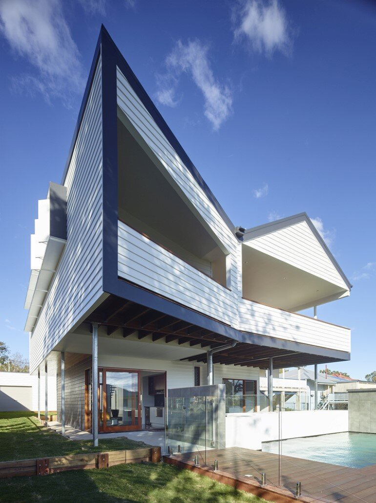 Nundah House Has Simple Forms Balanced with Contrasting Colours 9