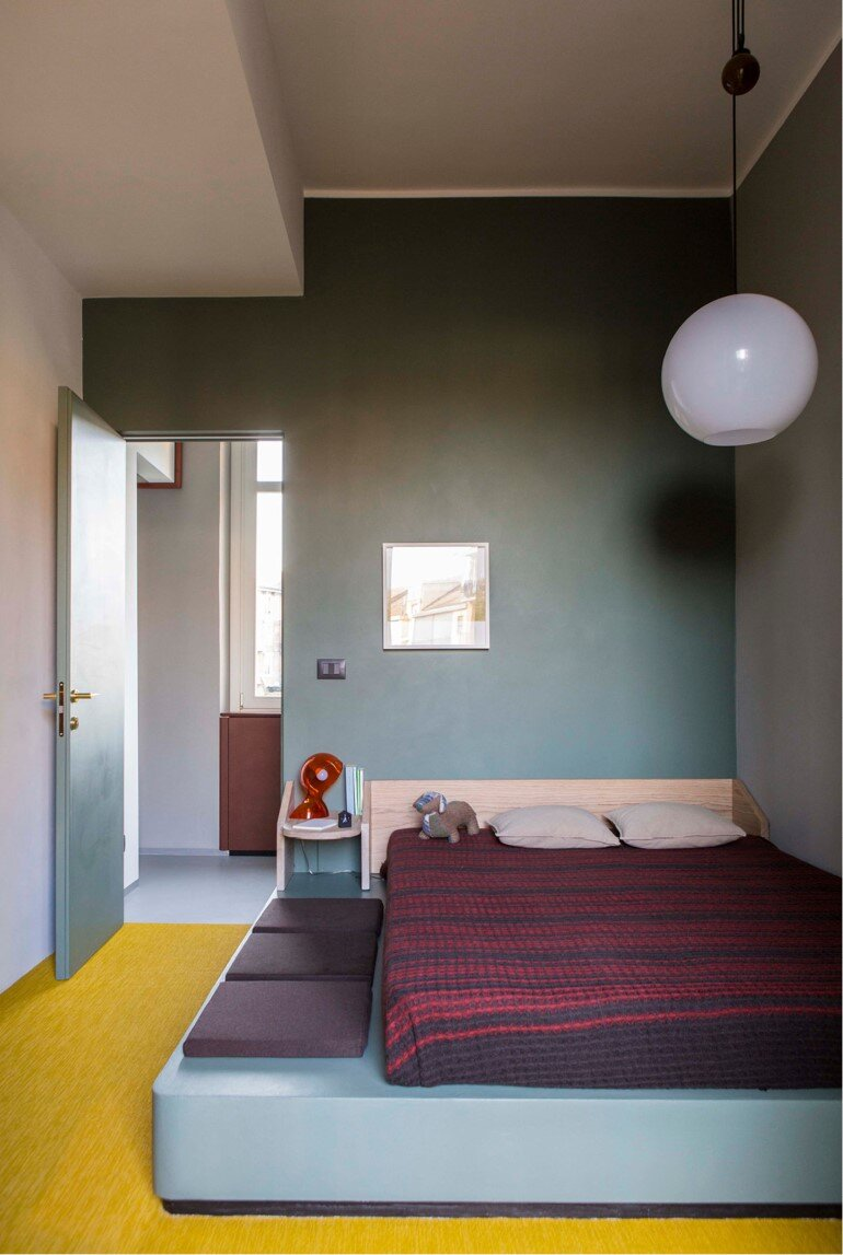 Promenade Apartment - Yellow and Gray Colors Give a True Retro Touch (9)