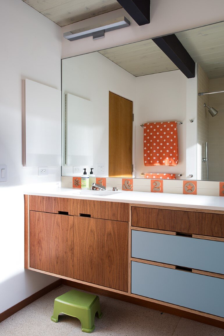 Renewed Classic Eichler Home in Silicon Valley by Klopf Architecture (18)