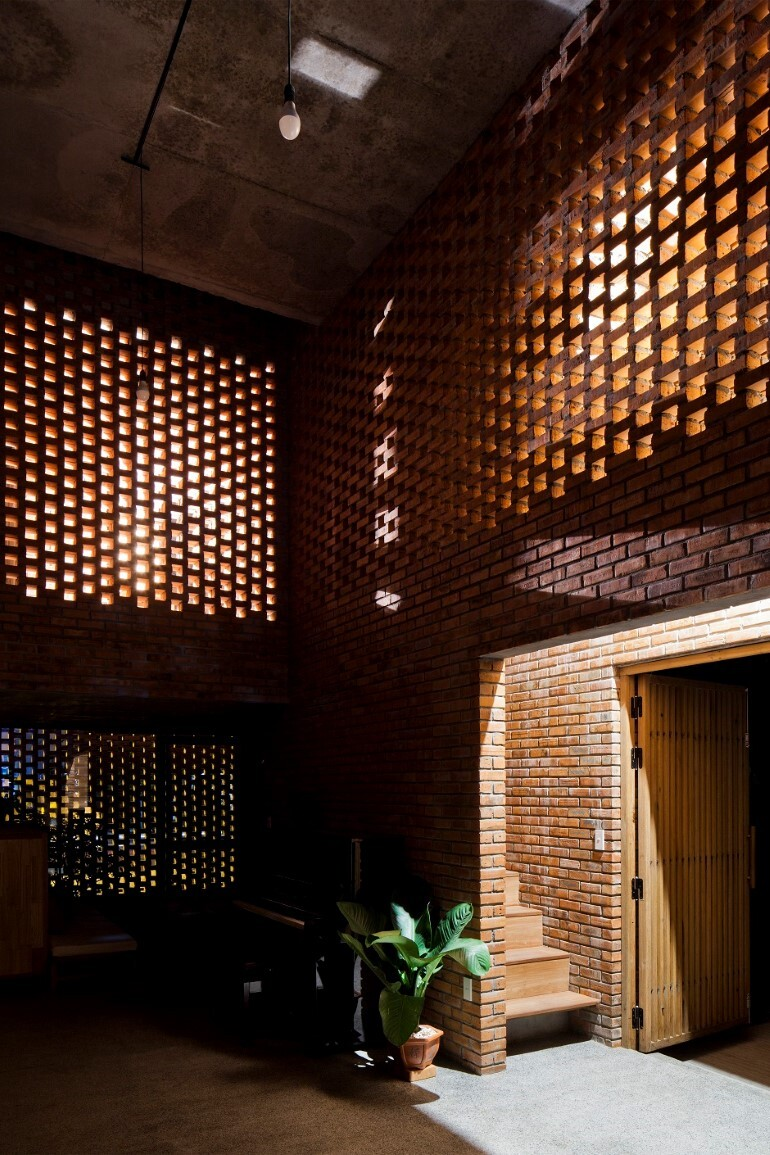 Termitary House Has an Architecture Inspired by Termite Nests (11)
