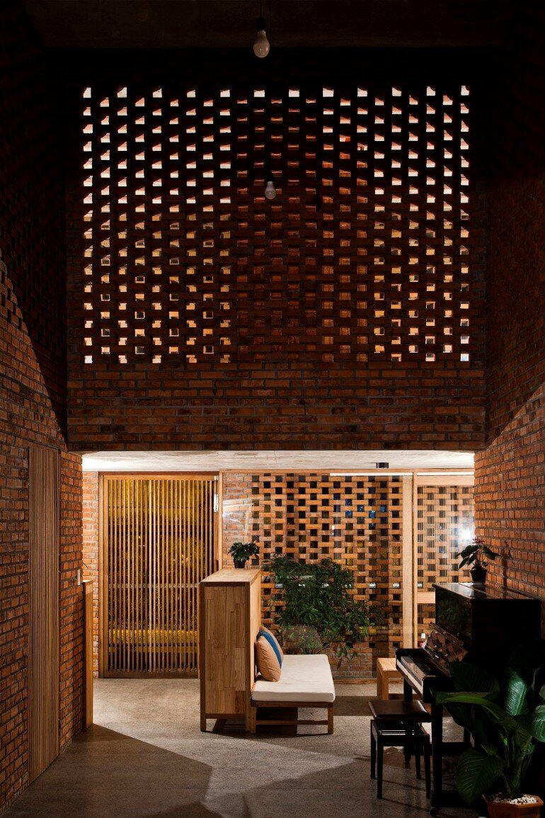 Termitary House Has an Architecture Inspired by Termite Nests (5)