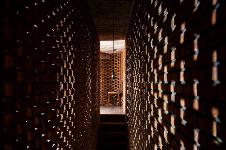 Termitary House Has an Architecture Inspired by Termite Nests (6)
