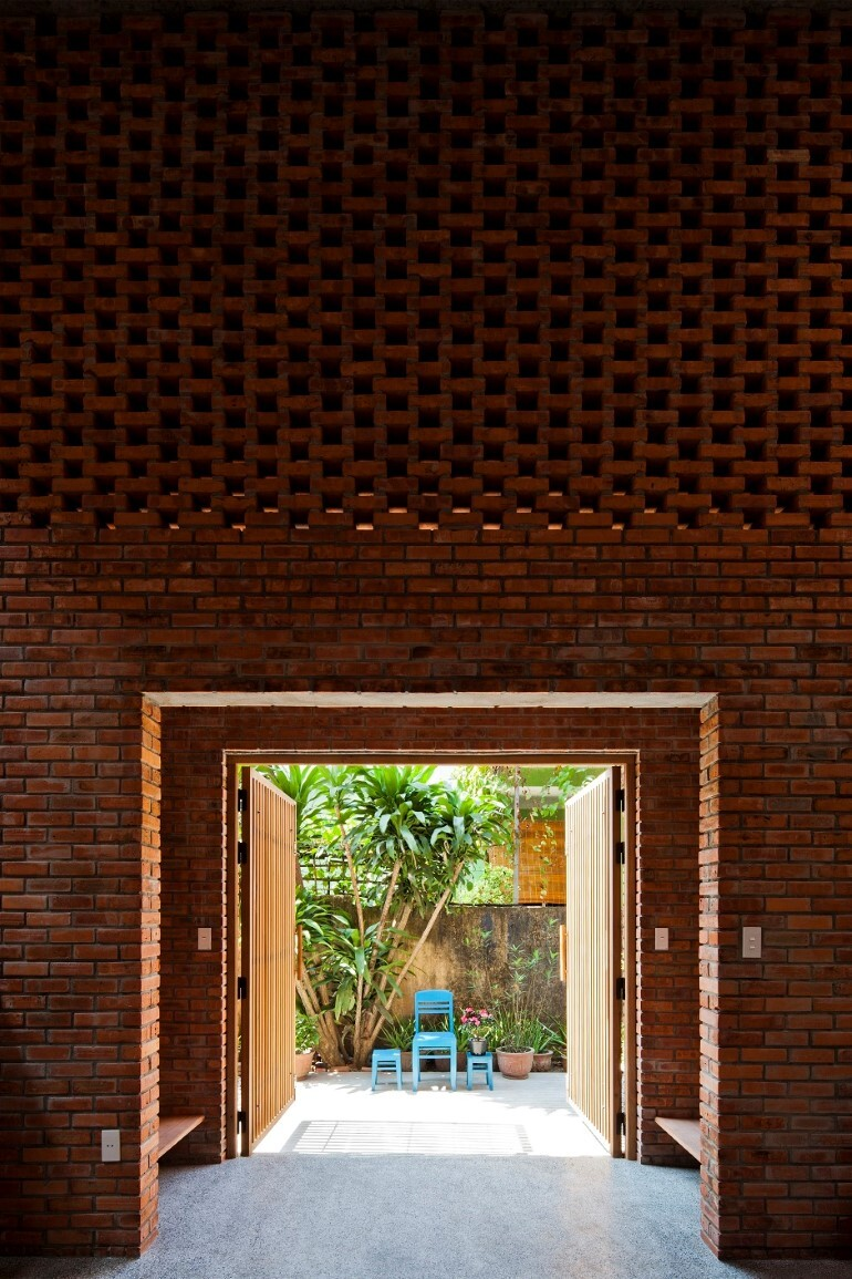 Termitary House Has an Architecture Inspired by Termite Nests (7)