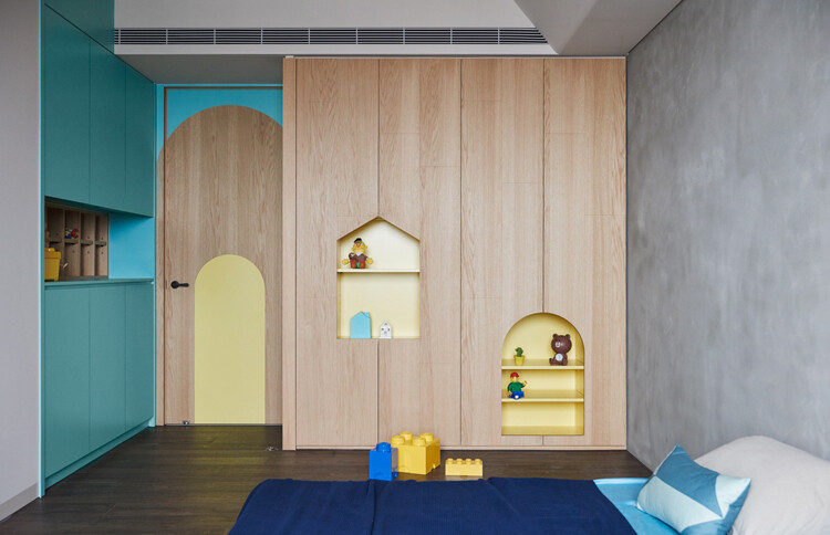 This Family Apartment is A Boundless Space of Joy and Delectable Delights (3)
