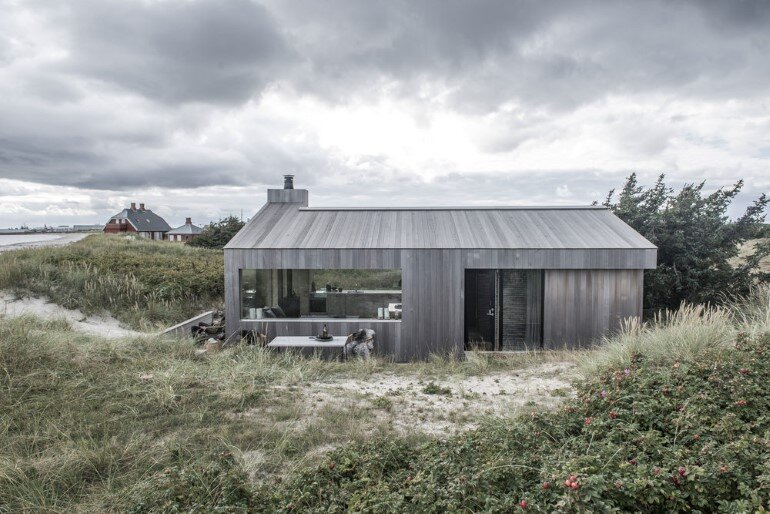 This Summer Cottage Was Designed as a Solid Wooden Block (12)