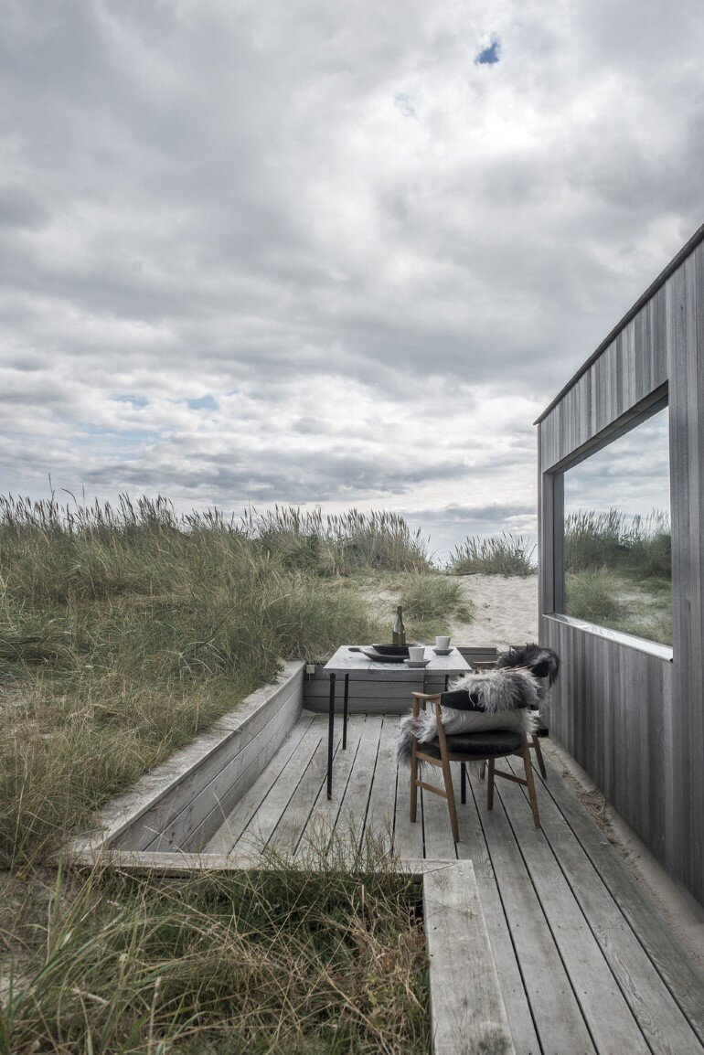 This Summer Cottage Was Designed as a Solid Wooden Block (13)