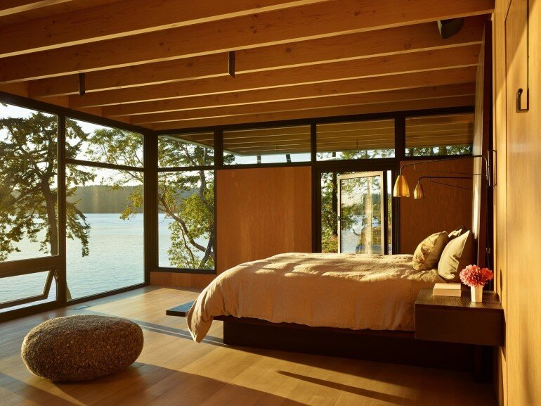 This Waterfront Retreat is Embraced by Dense Woods 9