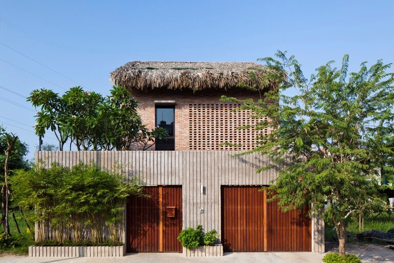 Tropical Suburb House - Revisits the Vernacular South East Asian Stilt House Typology (1)