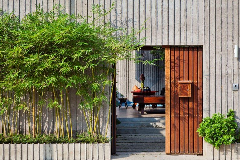 Tropical Suburb House - Revisits the Vernacular South East Asian Stilt House Typology (16)