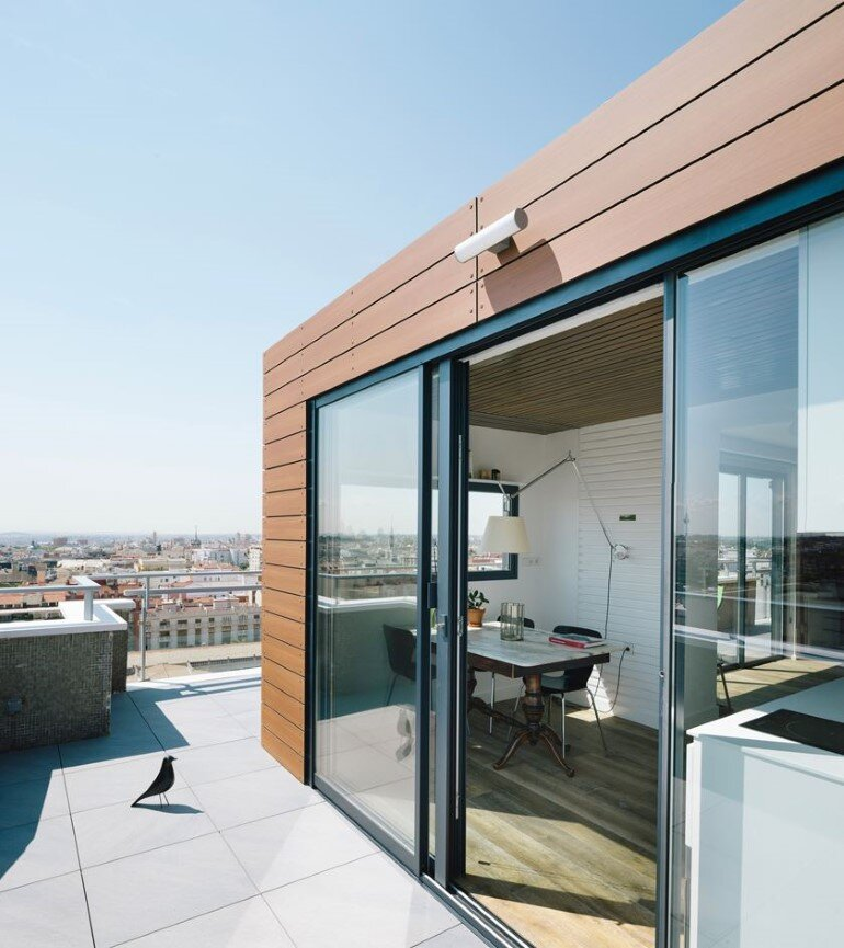 Attic House Situated in a Tower in the Center of Madrid (10)