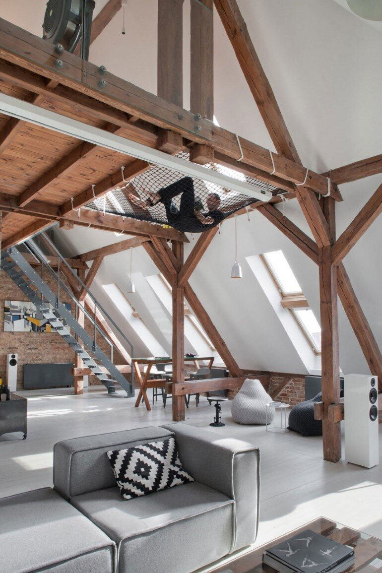 Attic Renovation in Poznań, Poland by Cuns Studio (5)