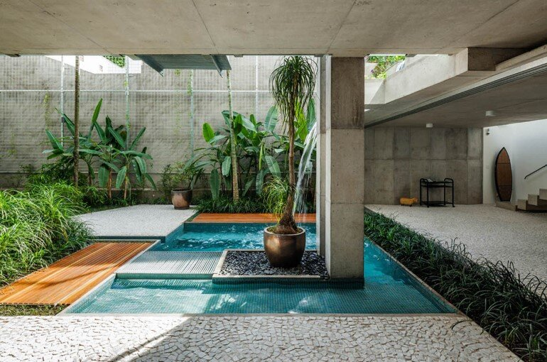 Concrete Weekend House in Downtown São Paulo (20)