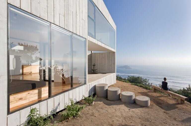 D House - Two Storey House Situated at the Top of a Cliff (8)