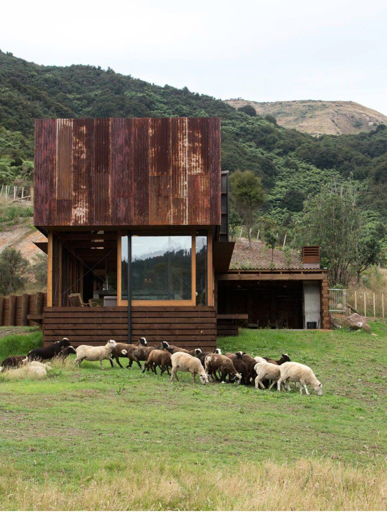 K Valley House - A Retreat for Film Makers by Herbst Architects (16)