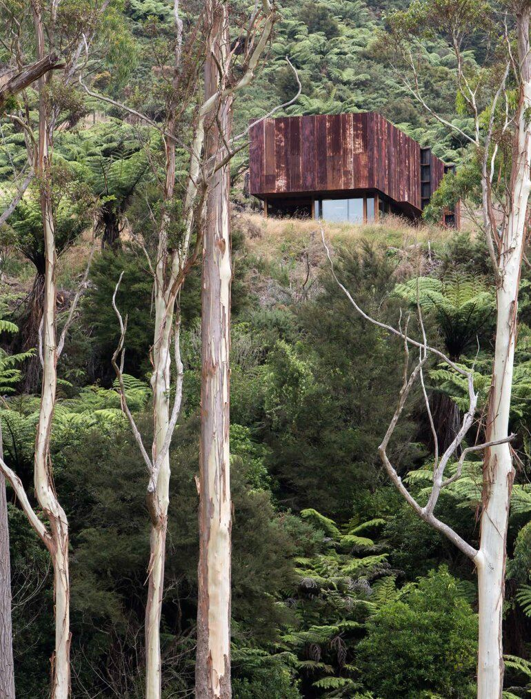K Valley House - A Retreat for Film Makers by Herbst Architects (18)