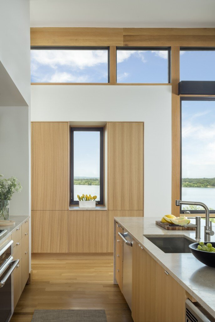 Lakeside House rises above the trees for 180-degree views (13)