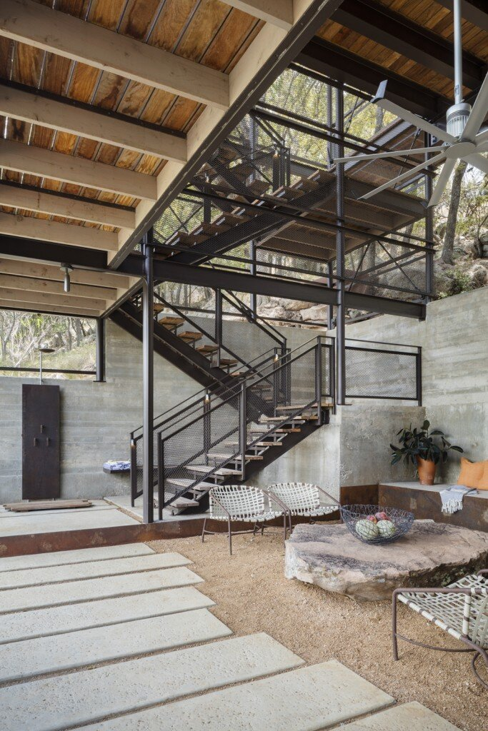 Lakeside House rises above the trees for 180-degree views (14)