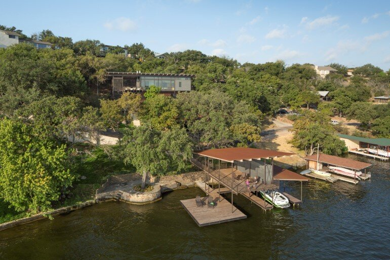 Lakeside House rises above the trees for 180-degree views (19)