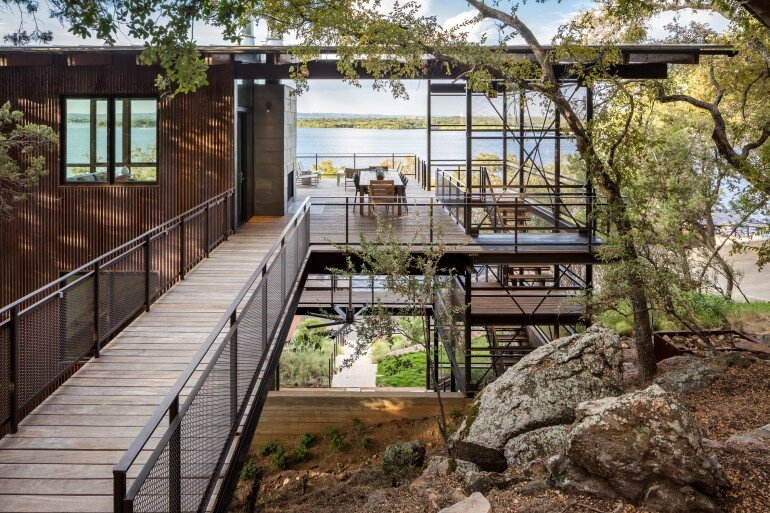 Lakeside House rises above the trees for 180-degree views (7)