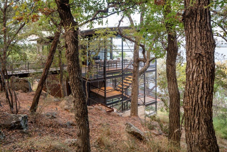 Lakeside House rises above the trees for 180-degree views (8)